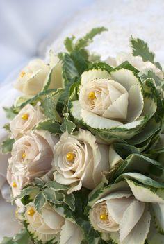 Cabbage roses and creme roses #wedding bouquet. teresaferrando.com