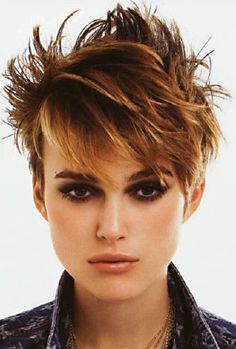 Keira Knightley cut her hair short for film Domino, after that she has rocked pixie cut. In our gallery you will find 15 New Keira Knightley Pixie Cuts that. Stylish Short Haircuts, Popular Short Hairstyles, Short Pixie Haircuts, Pixie Hairstyles, Cool Hairstyles, Modern Haircuts, Wedding Hairstyles, Keira Knightley Hair, Keira Christina Knightley