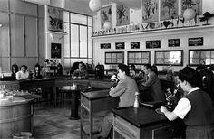 centenariojuanl Laboratorio de la Univewrsidad de Murcia. Década de los 50. https://pbs.twimg.com/media/Bk3VfRBCEAAesAR.jpg:large