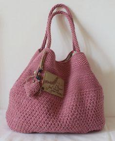 Marvelous Crochet A Shell Stitch Purse Bag Ideas. Wonderful Crochet A Shell Stitch Purse Bag Ideas. Crochet Purse Patterns, Bag Crochet, Bag Patterns To Sew, Crochet Shoes, Crochet Handbags, Crochet Purses, Cute Crochet, Crochet African Flowers, Crochet Mandala