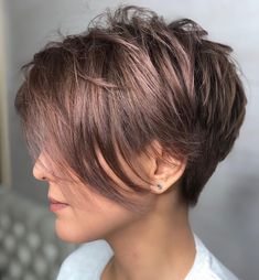 The long pixie cut is a great way to take your short hair to the next level. Its variants suit different face shapes, hair types, and personalities. Check out the best long pixie haircut ideas in pictures to get inspired! Pixie Haircut For Thick Hair, Longer Pixie Haircut, Short Hairstyles For Thick Hair, Short Pixie Haircuts, Bob Hairstyles, Gorgeous Hairstyles, Asymmetrical Haircuts, Textured Hairstyles, Hairstyle Short