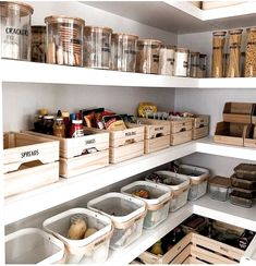 inexpensive kitchen pantry organization ideas for tiny house or your home. - inexpensive kitchen pantry organization ideas for tiny house or your home decor - Diy Living Room Decor, Diy Kitchen Decor, Diy Bathroom Decor, Kitchen Hacks, Rustic Kitchen, Kitchen Interior, Clever Kitchen Ideas, Eclectic Kitchen, French Kitchen