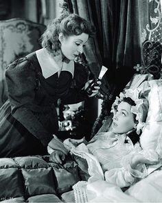 Greer Garson (with Laurence Olivier), Pride and Prejudice, 1940 Gowns by Adrian Maureen O'sullivan, Classic Actresses, Classic Movies, Hollywood Actresses, Actors & Actresses, Beautiful Actresses, Golden Age Of Hollywood, Classic Hollywood, Old Hollywood