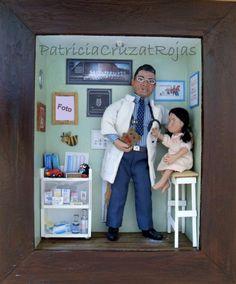 Consulta Pediatra con figura personalizada en miniatura. http://cruzatartesaniacolor.blogspot.com/