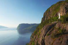 Les plus belles randonnées du parc national du Fjord-du-Saguenay | Espaces Les Fjords, Lac Saint Jean, Destinations, Canadian Travel, Quebec, Ontario, Places To Go, Camping, Water