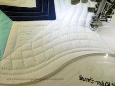 Amy's Free Motion Quilting Adventures: Quilting with Rulers: Double Curved Crosshatching on a sewing machine! Machine Quilting Tutorial, Hand Quilting Patterns, Quilting Templates, Machine Quilting Designs, Quilting Projects, Quilting Ideas, Quilting Tutorials, Stitching Patterns, Sewing Projects
