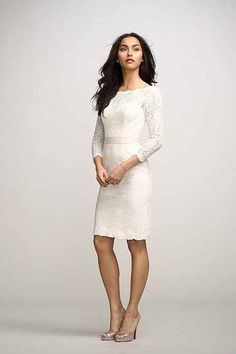 Los vestidos de novia cortos son ideales para el civil o las novias modernas. Quien dijo que tu vestido tenia que ser largo y sin mangas?