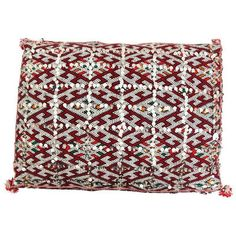 Moroccan Handmade Handira Red Cushion with Sequins (1.190 BRL) ❤ liked on Polyvore featuring home, home decor, throw pillows, pillows, red accent pillows, moroccan home decor, handmade throw pillows, sequin throw pillow and red toss pillows
