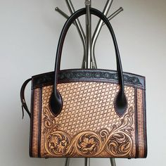 #leathercraft #leathercarving #leatherworks #leatherbag by yukon.he