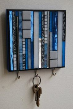Mosaic key storage idea @istandarddesign #easyhomedecor