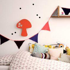 Ferm Living Slinger gebreid 240cm multicolor acryl 'Happy Flags - Peach' - wonenmetlef.nl