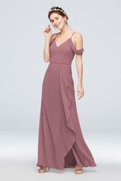Searching for stunning plus size bridesmaid dresses for your bridal party? View David's Bridal expansive collection of elegant plus size bridesmaid dresses in great colors and styles! Davids Bridal Bridesmaid Dresses, Affordable Bridesmaid Dresses, Bridesmaid Dresses Plus Size, Bridesmaids, Wedding Dresses, Chiffon Dress Long, Draping, Bodice, Shoulder