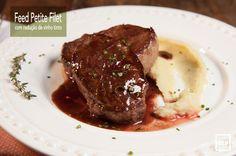 FEED PETITE FILET NA CHAPA COM MOLHO DE REDUÇÃO DE VINHO TINTO - Este medalhão de Petite Filet com redução de vinho faz o maior sucesso em um jantarzinho para os amigos, e o melhor é que você faz rapidinho. É um preparo super simples e que agrada todo mundo.  Saiba como preparar esta receita no link: http://www.feed.com.br/receitas/feed-petite-filet-na-chapa-com-molho-de-reducao-de-vinho-tinto/