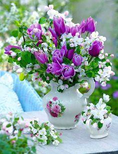 Flowers and Gardens Flowers Nature, My Flower, Fresh Flowers, Flower Vases, Beautiful Flowers, Flower Power, Beautiful Flower Arrangements, Floral Arrangements, Ikebana