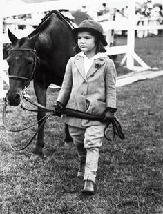 Jaqueline Bouvier, equestrienne