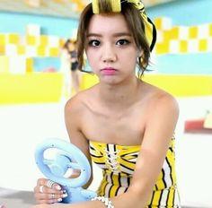 Hyeri - Girl's Day - Darling