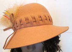 1970s Tan Felt Glamour Hat with Feather by MISSVINTAGE5000 on Etsy