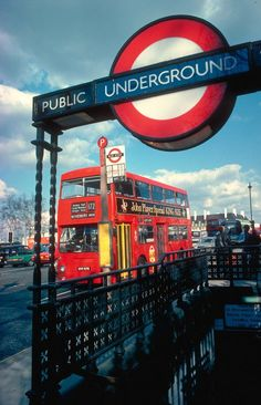 Your guide to using the Tube in London. #publictransit #travel #underground