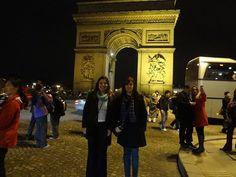 Irmãs gêmeas Cristiane e Eliane L Fossatti em Paris