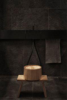 http://curiosity.jp/works/en/interior/tokyo-residence.html