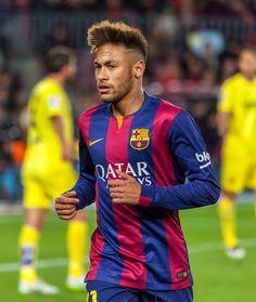 250 milioni per NEJMAR [SHOCK] Ma secondo quanto riportato da Marca  guadagnerà 15 milioni netti a stagione, più altri 10 di bonus. Praticamente Neymar avrà un ingaggio potenziale di 25 milioni stagionali e con questa cifra batter
