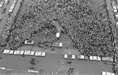 Aerial of crowd gathered to greet John F. Kennedy, Fort Worth 11/22/1963
