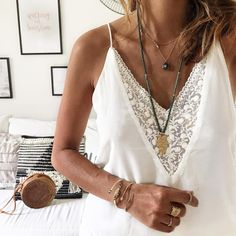 "3,027 Me gusta, 27 comentarios - Lily (@lilylovesfashion) en Instagram: ""L a c e #ootd #outfit #outfitoftheday #details #detailoftheday #lace Top #modeinelo Colliers…"""