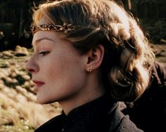 Éowyn singing in her native tongue at the funeral of her cousin Theodred.