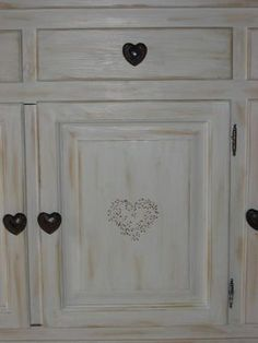 Peindre des meubles bois vernis conseils décoration poncer peintures appliquer d'accroche conseil déco coloris aspect veilli