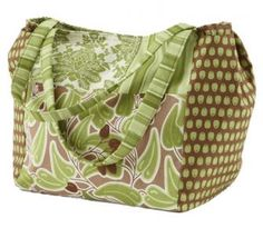 Large Patchwork Bag Sew up a spacious bag that meets all your needs. Two sets of inside pockets have room for keys, a notebook, a cell phone...