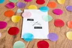 Lasst Liebe Regnen! DIY Konfetti mit Tütchen | Hochzeitsblog - The Little Wedding Corner