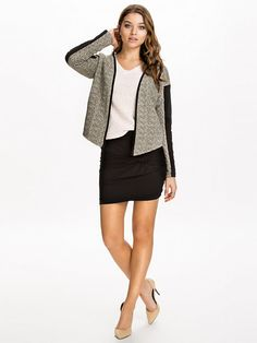 http://nelly.com/pl/odziez-dla-kobiet/odziez/spódnice/mbym-688/ricci-rey-skirt-688508-14/