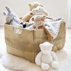 panier rangement jouet en toile de jute avec poignées en bois pour les peluches