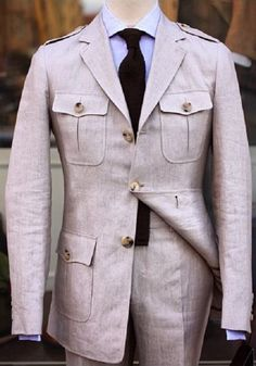 Mens Fashion Suits, Mens Suits, Safari Outfits, Slim Fit Suits, Hunting Jackets, Linen Suit, Mode Style, Style Men, African Men Fashion