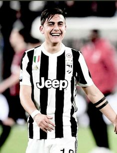 Juventus Players, Ronaldo Juventus, Football Hits, Cr7 Junior, Francisco Lachowski, England Football, Football Players, Old Women, Pretty People