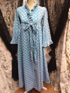 Rare Vintage Laura Ashley Blue Pansy Print 105 1973 Imperfect Robe   eBay