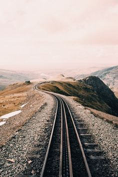 [Scenery - Train tracks - Photograph]