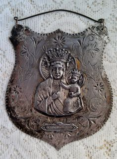 Our Lady of Czestochowa Polish Antique Icon. This is one version (on metal) that I've not seen until now. Polish Recipes, Polish Food, Our Lady Of Czestochowa, Poland Country, Visit Poland, Central Europe, My Heritage, Warsaw, Religious Art