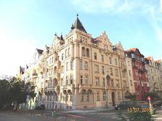 Krásné Vinohrady u Riegrových sadů Most Beautiful Cities, My Heritage, Czech Republic, Travel Guide, The Neighbourhood, Louvre, Sad, Street View, City