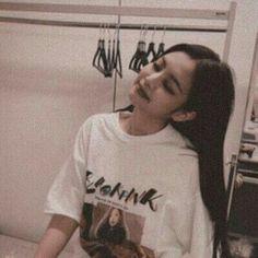 ╭╯ jennie ⤵︎ blackpink ✃ ˚ ༘ kpop 〰︎ - Jennie aesthetic - Blackpink Jennie, Kpop Aesthetic, Aesthetic Girl, South Korean Girls, Korean Girl Groups, Estilo Beatnik, Black Pink, Blackpink Fashion, Fashion History