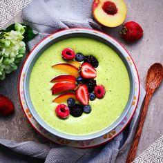Kickstart your day with a Matcha, Mango & Peach Smoothie bowl ! get the recipe: www.sweeterlifeclub.com/recipes/peach-mango-matcha-smoothie-bowl/ @japanesematchapowder #matcha #healthyfood #health #kosher #vegan #vegetarian #foodie #food #smoothiebowl #s