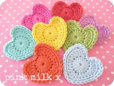 Sharing The Crochet Love ❤ ☀CQ Pattern here: http://crocknit.blogspot.ca/2011/02/perfect-hearts-filling-you-with-love.html Thanks for sharing! ¯\_(ツ)_/¯