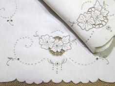 Madeira Table Runner Embroidered Linen Dresser By Vintagelinens Vintage Linens Runners