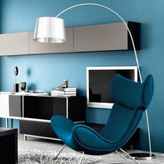 The BoConcept Imola chair - Modern and comfortable. 120 fabrics and leathers to pick from, multiple base options. Boconcept, Home Furniture, Furniture Design, Fashion Room, Home Decor Inspiration, Contemporary Furniture, Chair Design, Living Room Decor, Color Blue