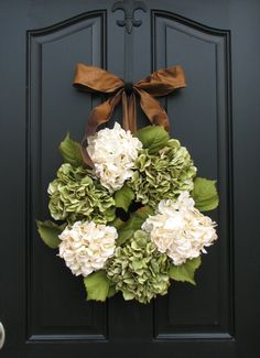 hydrangea wreath..Would be pretty with red and green silk flowers for Xmas too.