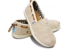 Natural Burlap Bimini Youth Classics - impossible to find a youth 6 for my big feet. Tiny Toms, Cool Style, My Style, Me Too Shoes, Kids Outfits, Fashion Accessories, Shoe Bag, Classic, Shoes