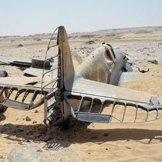 1/72 Scale Kits & Diorama: P-40 HS-B Desert Crash