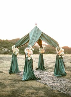 Tie the knot under this gorgeous canopy//