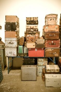 #vintagesuitcases i can't even begin to explain how much i want to work for this lady