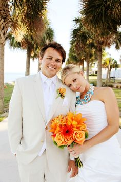 if my wedding had a different style, i'd totally rock a chunky turquoise necklace